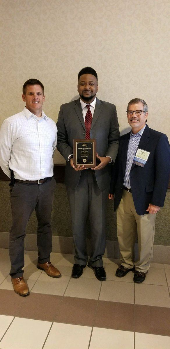 Mr. Brian Elliott Awarded the 2018 Career Guidance Professional of the Year
