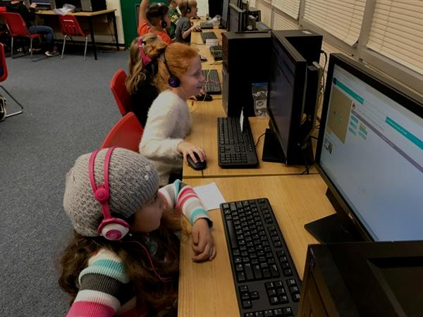 Hemby Bridge Students Participate in Hour of Code