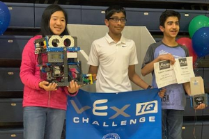"""Robotic Monkeys"" advance to the World VEX IQ Championship"