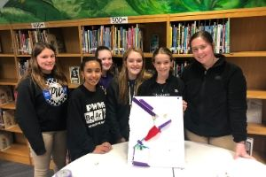 Parkwood 8th Graders Learn from MIT Students