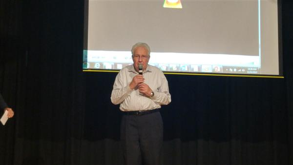 Holocaust survivor speaks to 7th graders