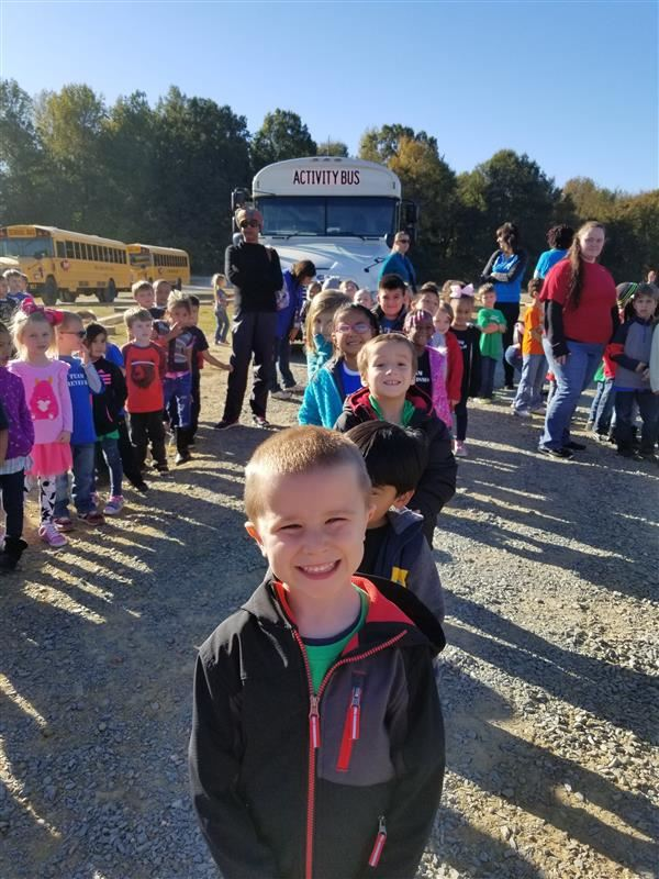 Kindergarten Loves Field Trip to the Farm