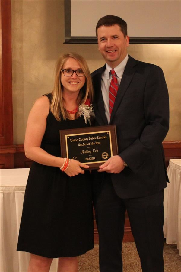 Western Union Elementary teacher Ashley Erb named 2018-19 UCPS Teacher of the Year