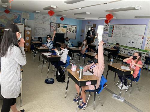 Fifth grade Mandarin class at Kensington Elementary