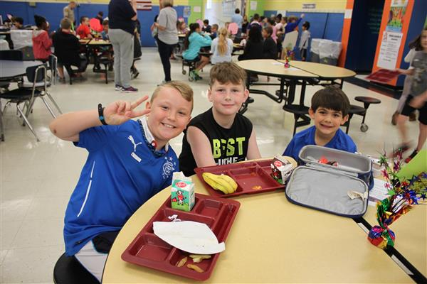 Indian Trail Elementary students mix it up at lunch to promote kindness and inclusion