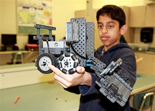 Students' enthusiasm drives Weddington Middle School's robotics team