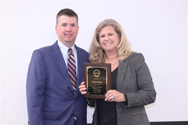 Parkwood High Principal Carole Alley named 2018-19 Principal of the Year