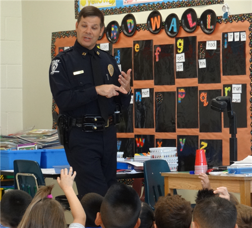 Policeman Teaches First Graders Valuable Lessons