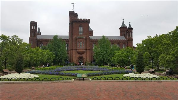 Picture of the Smithsonian