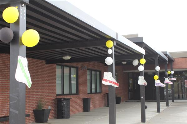 Front of the school decorated for Walk-a-thon