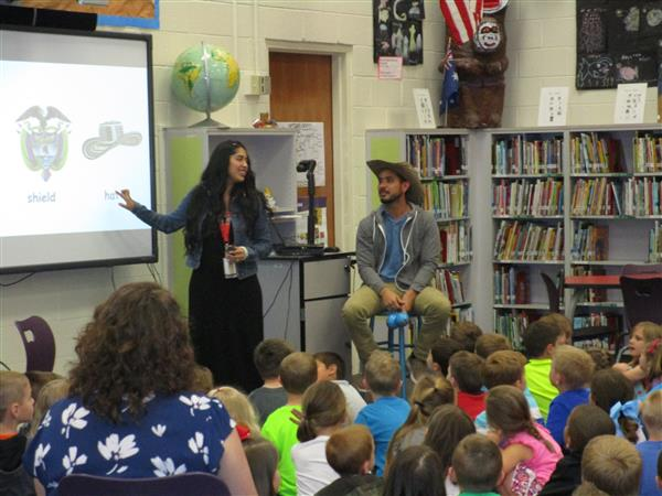 Kindergarten students learn about Colombia