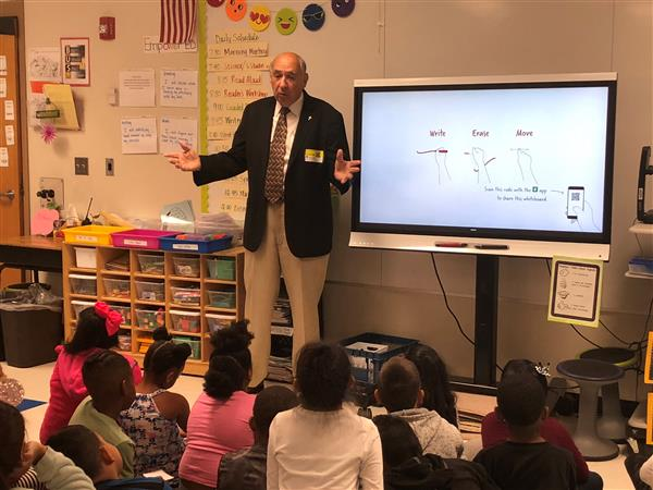 2nd Grade Students Meet the Mayor