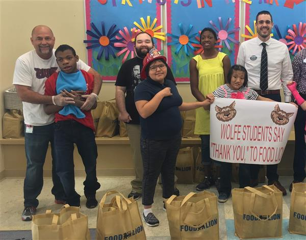 Food Lion provides Easter dinners