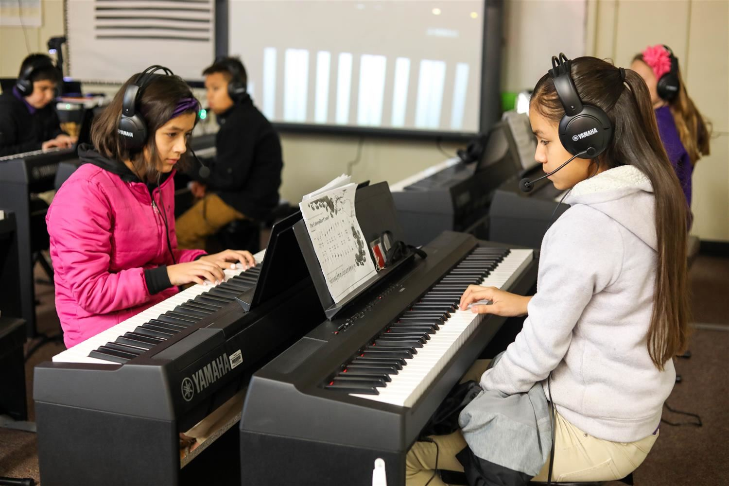 Benton Heights Elementary students hit the right note in district's newest keyboard lab